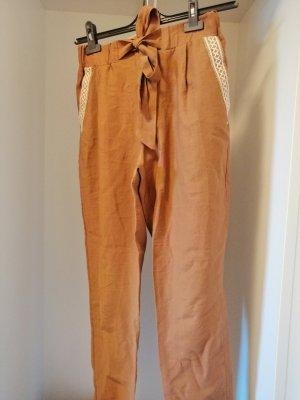 Ziegel Farbe Hose