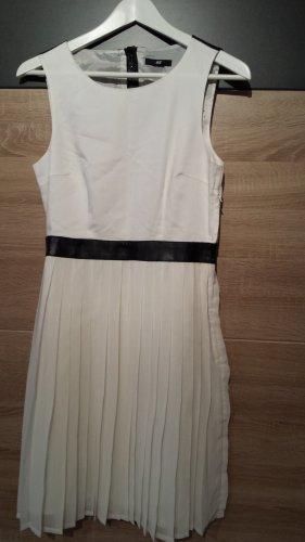 *Zustand NEU: H&M Elegantes Plissiertes Rückenfrei Party Kleid Weiß Gr. 38