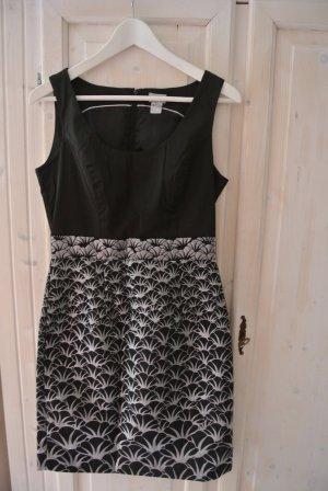 *Zustand NEU: H&M Kleid mit tollen Elementen Schwarz/Silber Gr. 38