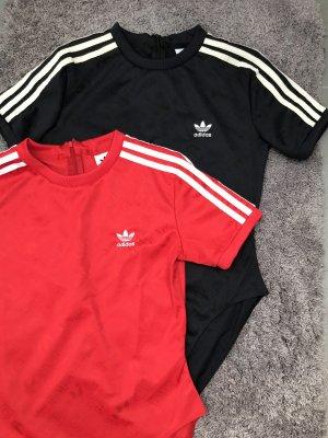 Zwei Adidas Originals T-Shirt Body's