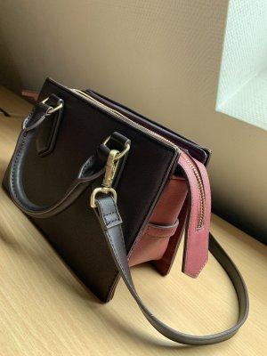 Zwei farbige Handtasche