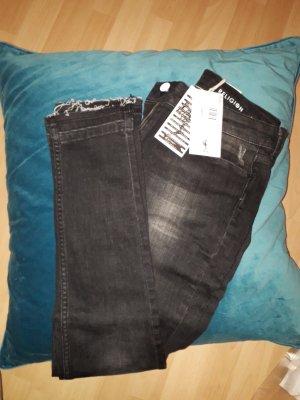 Zwei Jeans von Religion
