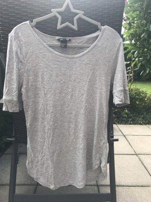 Zwei Shirts