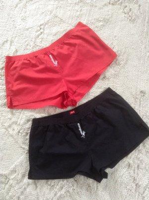 Zwei Shorts / rot plus schwarz / Magnum / Gr. 36 S
