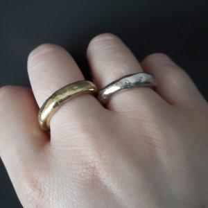 Anello di fidanzamento grigio-sabbia