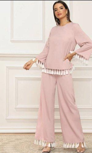 Traje de pantalón color rosa dorado