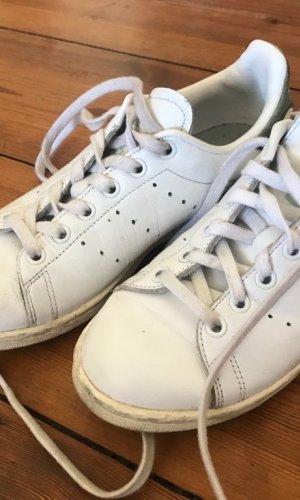 Adidas Sneaker/ Turnschuh/ Schnürschuh (Stan Smith): weiß, flach, Gr. 37