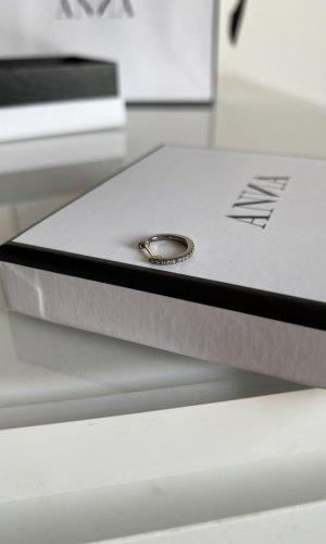 Anna I.J. Diamant Piercing