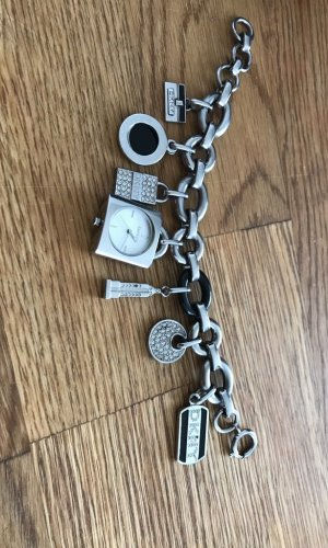 Aussergewöhnliche Uhr von DKNY
