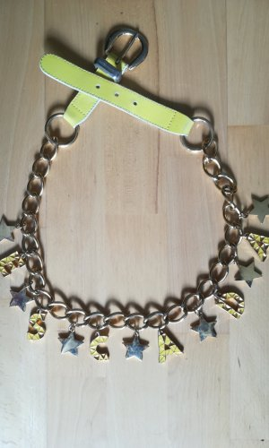 Escada Cinturón de cadena color oro