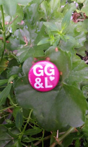 George Gina & Lucy Botón blanco-rojo neón