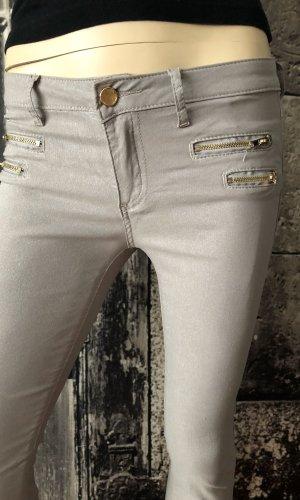 Pantalón elástico color plata