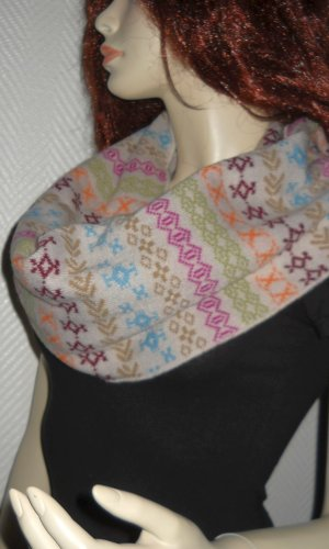 Écharpe à capuche multicolore