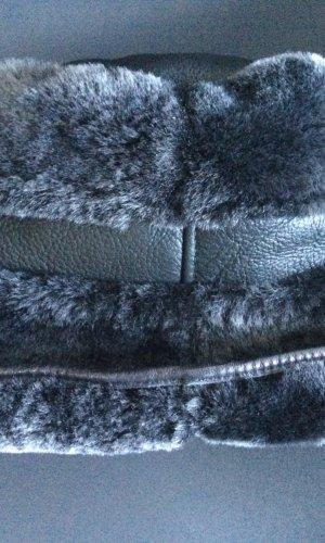 Chapeau en fourrure gris anthracite cuir