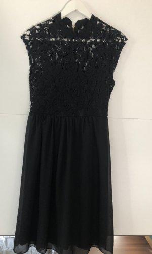 Elegantes schwarzes Kleid mit Spitze