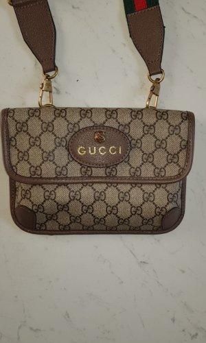 Gucci Riñonera beige