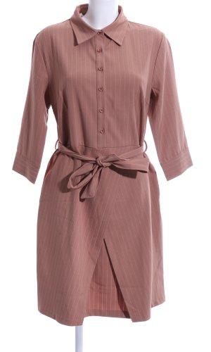 Robe chemise rose motif rayé style décontracté