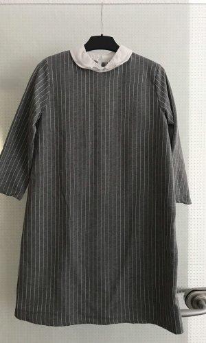 Pull & Bear Robe chemise gris-blanc