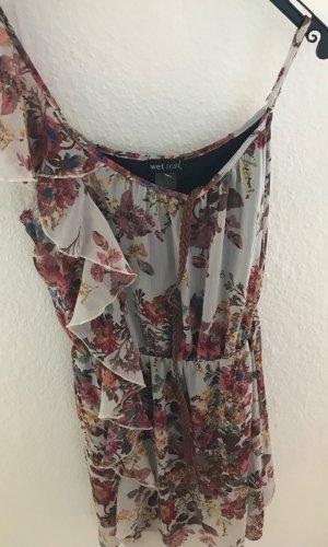 Herbstliches Kleid mit Gürtel