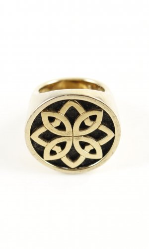 Jette Statement Ring gold-colored casual look