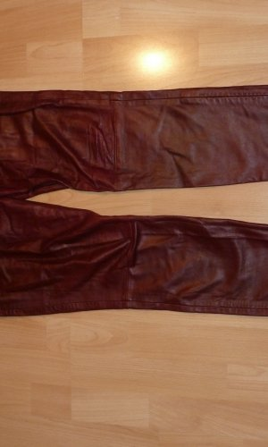 Lederhose mit Reißverschluss am Beinabschluss