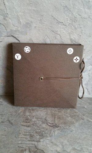 Louis Vuitton Botón marrón-marrón oscuro