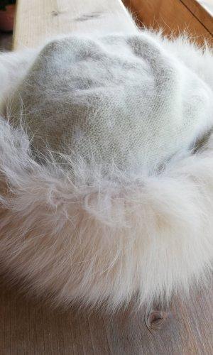Chapeau en fourrure crème fibre synthétique
