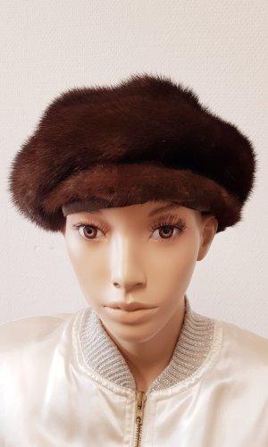 Chapeau en fourrure brun