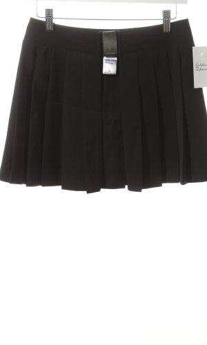 Nicowa Sobrefalda negro estilo College
