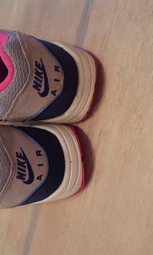 Nike Air Max 1 Essential Gr. 39