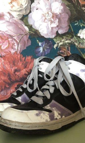 Nike Dunk Hi im Batik Look