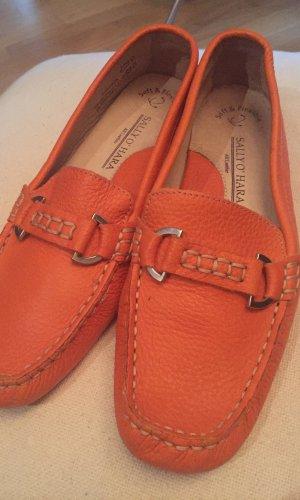 Orange Leder Mokassins