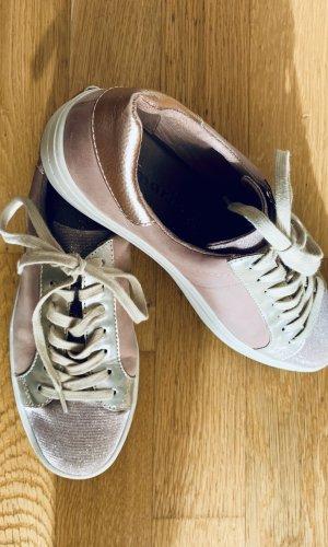 Schicke Sneakers von Tamaris