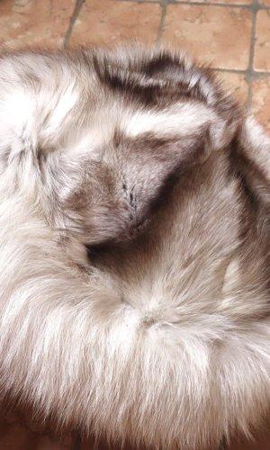 Chapeau en fourrure gris clair-taupe fourrure