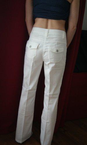 weiße Sommerhose mit leichtem Schlag NEU