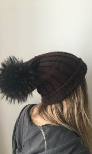 Chapeau en fourrure brun-noir