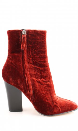 Zara Basic Botines rojo look casual