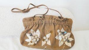 Bestickte Tasche im Vintage-Stil