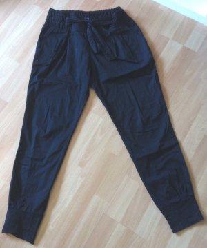 Lässige und leichte Hose mit großer Schleife zum Binden