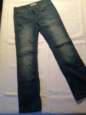Levis 570 Straight Fit