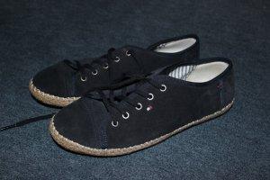 Neue, sommerliche Hilfiger Schuhe