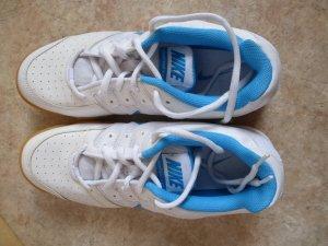 Nike Sportschuhe ungebraucht