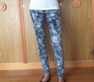 Schöne floral Design Jeans