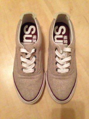 Schuhe von superdry.