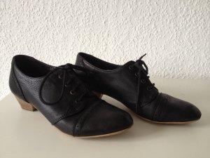 Schwarze Schnür-/Lederschuhe mit Absatz, größe 39
