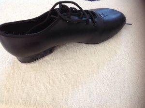 Steppschuhe in schwarzer Farbe