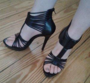 Tolle Riemchen High-Heels in Lederoptik