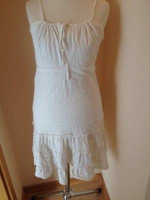 Weißes Sommerkleid von Blend She