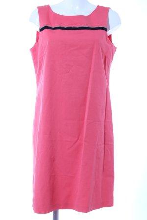 1.2.3 Paris Vestido ceñido de tubo rosa look casual