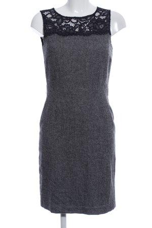 1.2.3 Paris Robe courte gris clair-noir motif de fleur style d'affaires
